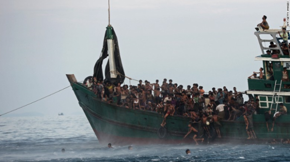 Overcrowded Rohingya boat (AFP/Getty Images)